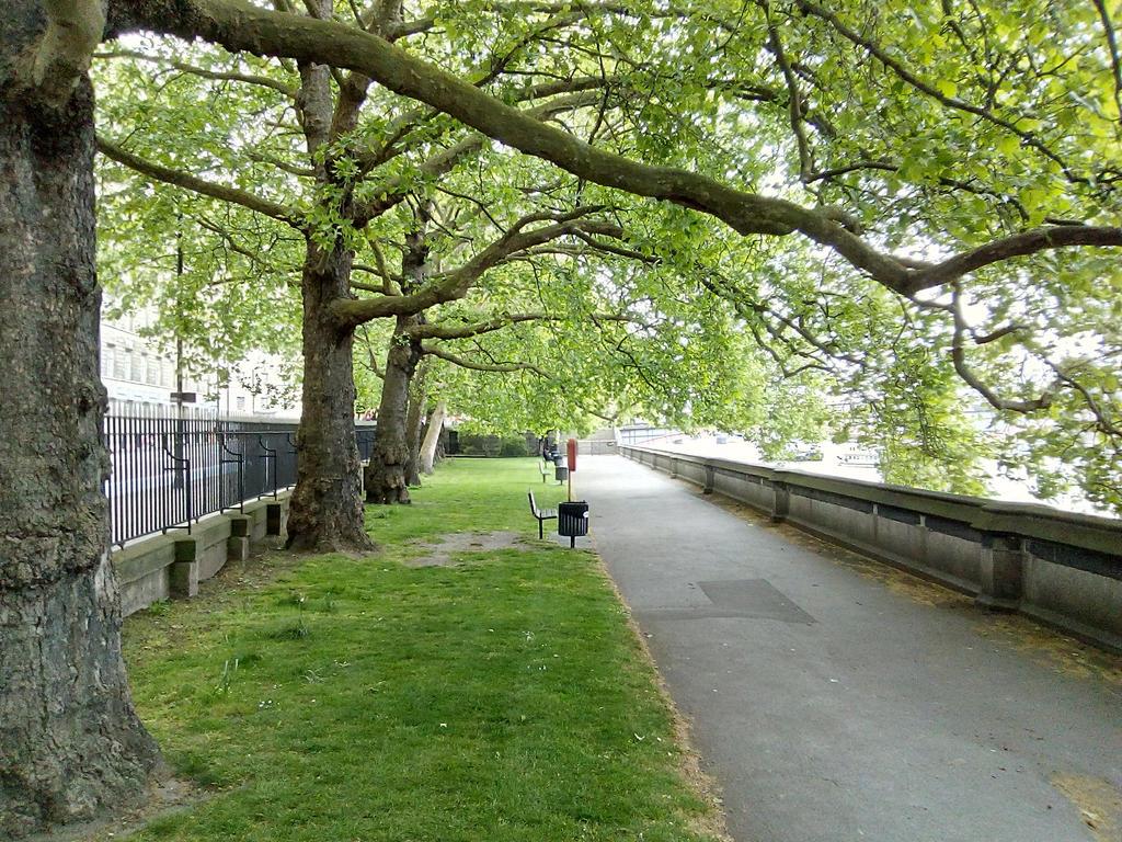 Garden Walk London: Riverside Walk Gardens, Westminster, London By Harvey1942 On DeviantArt