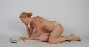 Body Reference - Propped up - Reading by Danika-Stock
