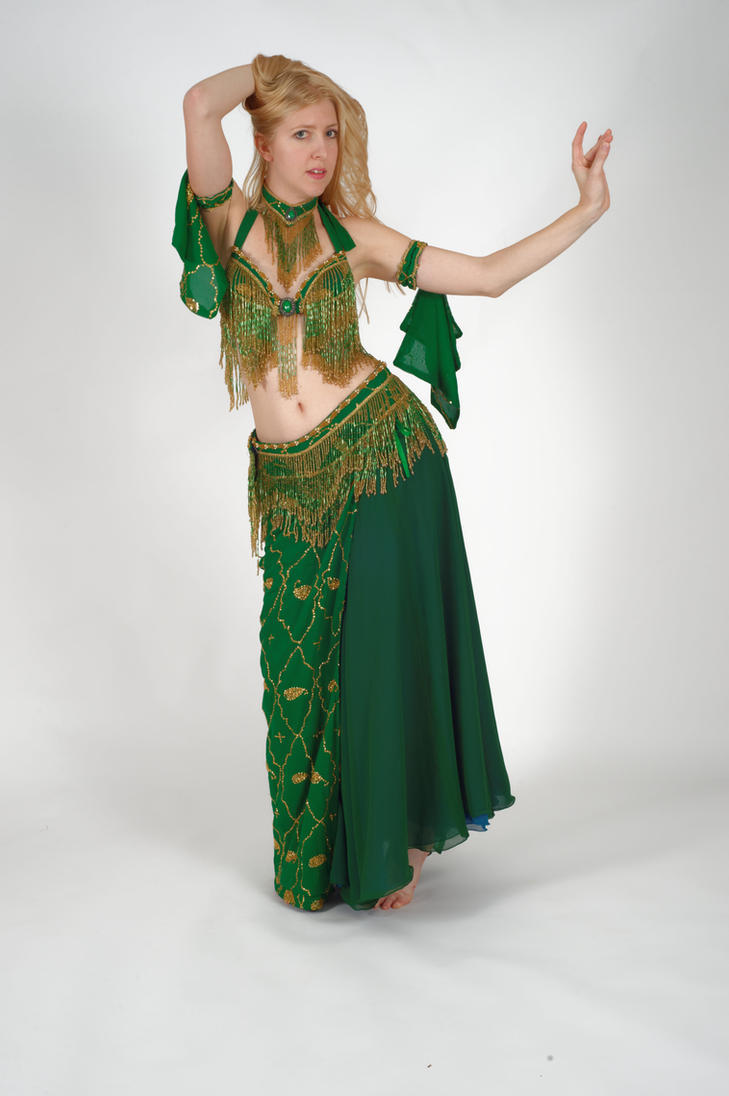How to Do a Horizontal Figure 8 in Belly Dancing - Howcast ...