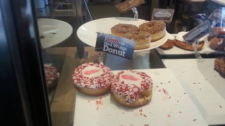 Red Wings Donut by WingDiamond