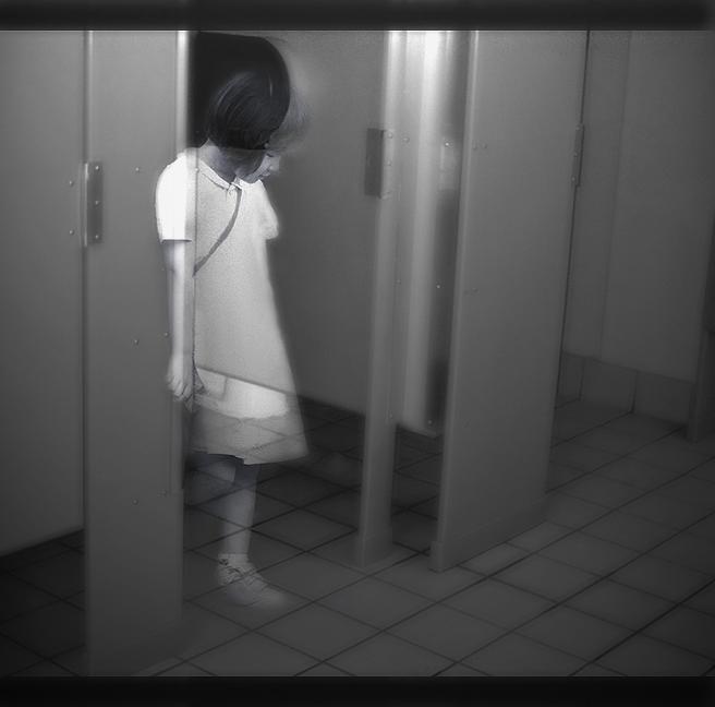 film horor beginning of toilet no hanako-san