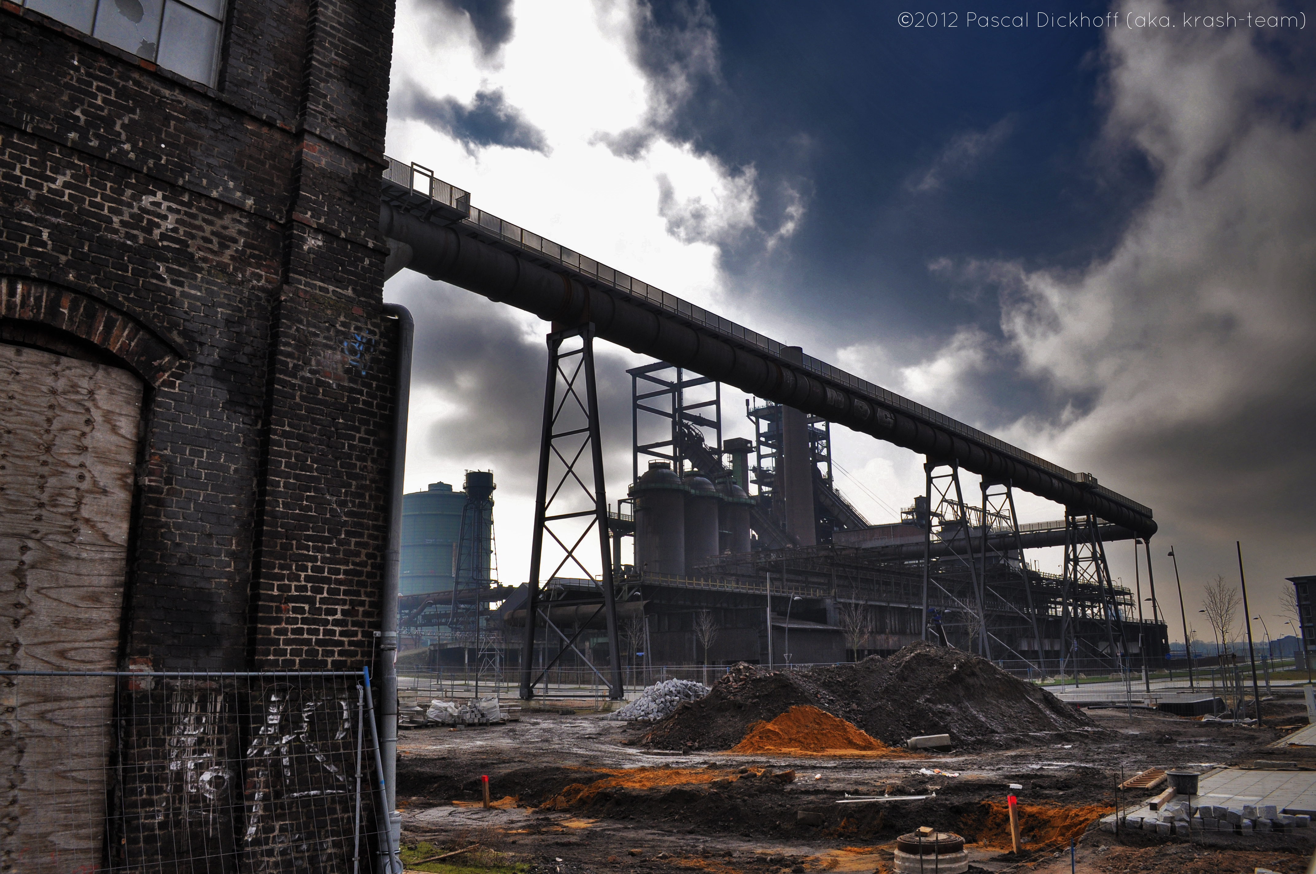 Heavy industrial buildings by Krash-Team