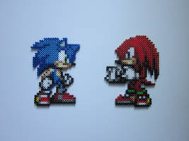 Sonic and Knuckles by 8-BitBeadsStudio