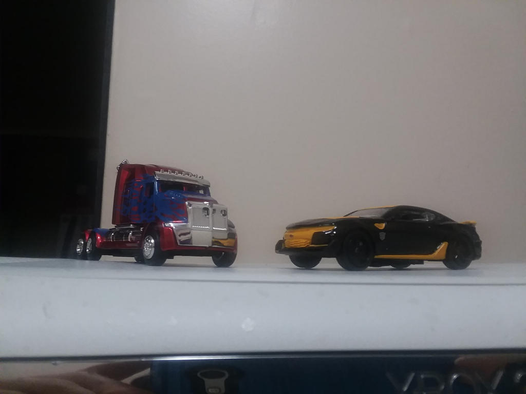 two lil collectible vehicles from TF5 by JSMRACECAR03