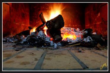 i'm burning... by 666greg