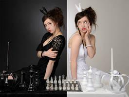 Queens Rule, Black VS White 2
