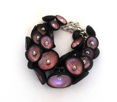 Charm bracelet.Leather pod by julishland