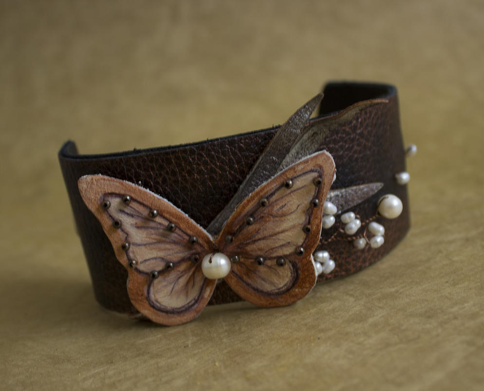 Unique Leather cuff bracelet with pearls by julishland