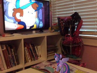 Twilight Sparkle is watching her favorite show