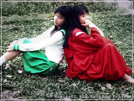 http://fc04.deviantart.com/fs18/f/2007/144/5/c/Inuyasha_and_Kagome_cosplay_2_by_DiaryDream.jpg