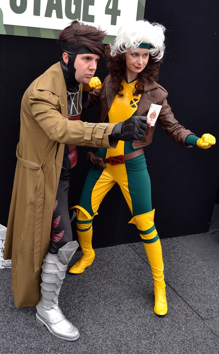 Gambit and Rogue Cosplay at 2014 Sydney OzComiccon by rbompro1