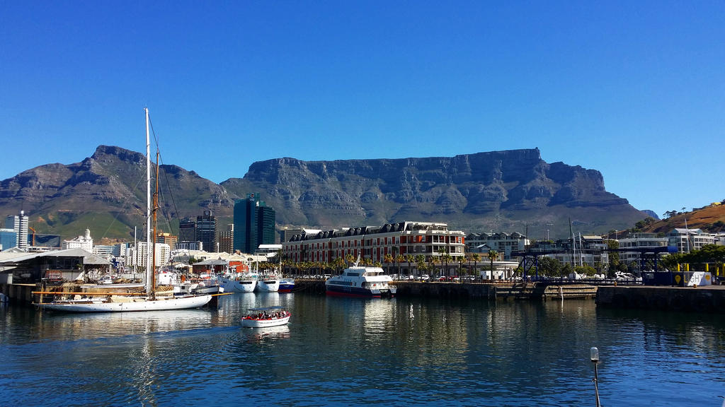 Table Mountain, from the Waterfront, Cape Town by rbompro1