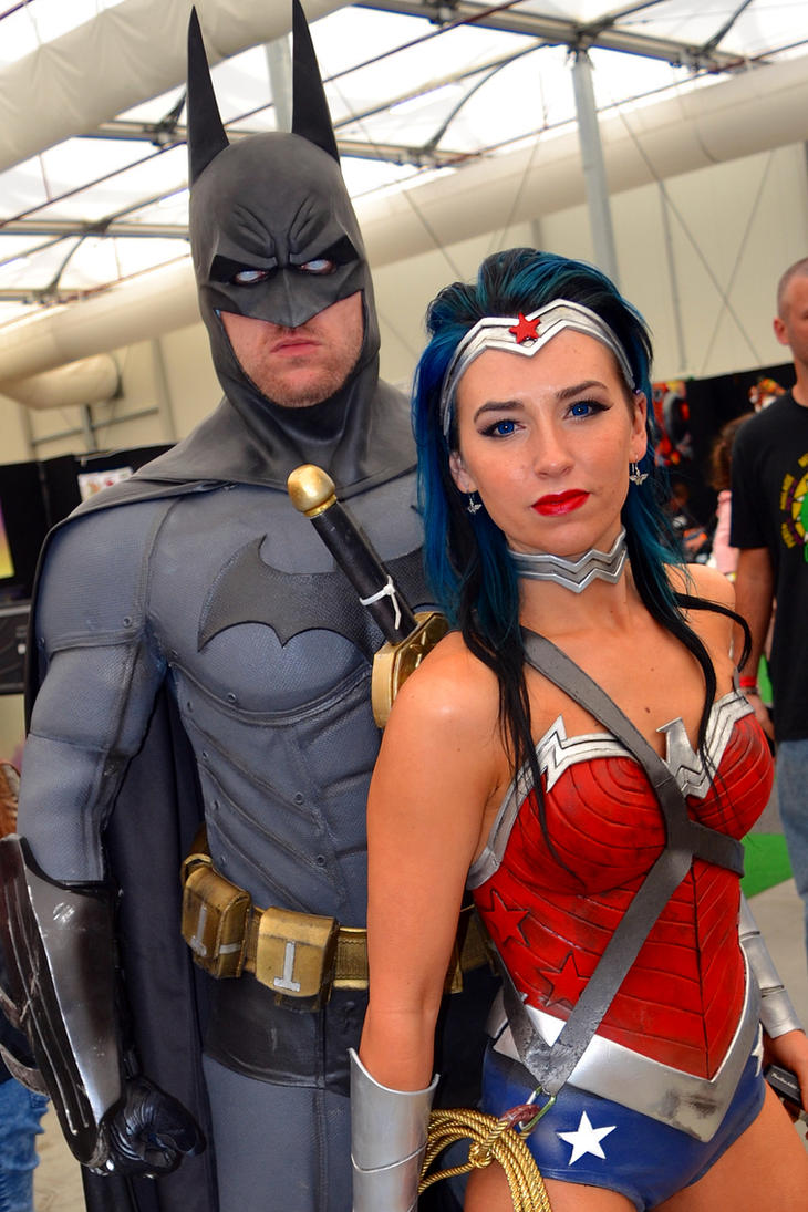 Batman and Wonder Woman Cosplay at 2015 OzComicCon by rbompro1