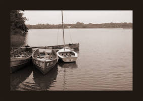 abandoned boats by raghulale