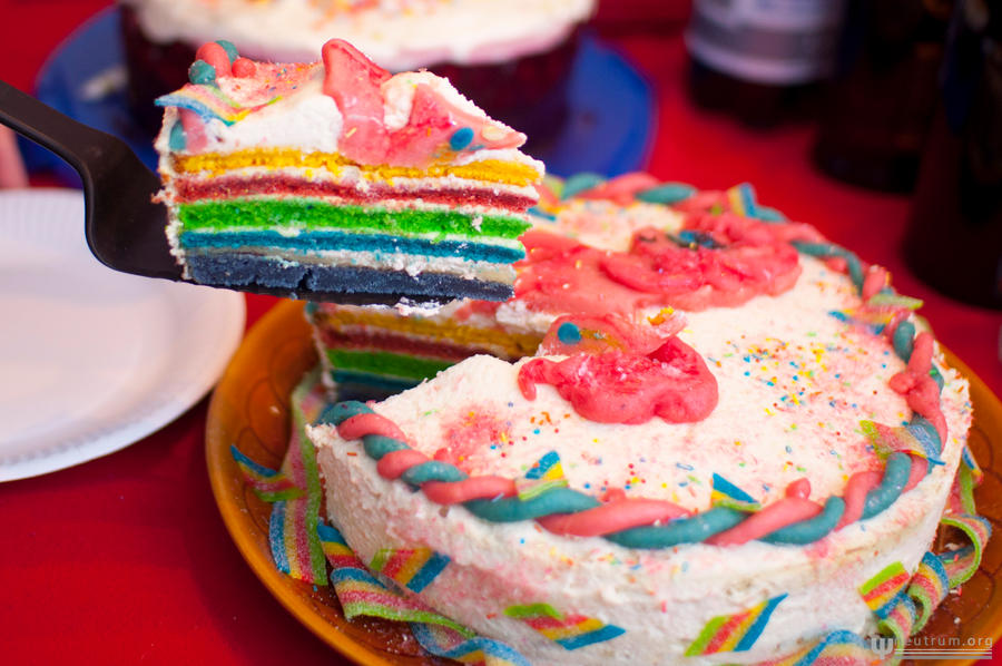 Pinkie Pie Birthday Cake Inside 2 by Mademoiselle-Moder