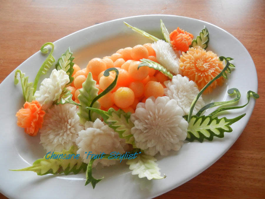 Orange and White Centerpiece by Chuncarv