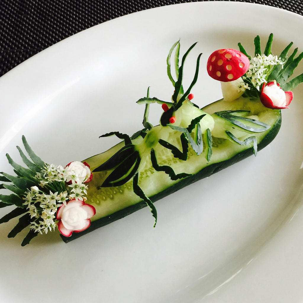 Cucumber Mantis by Chuncarv