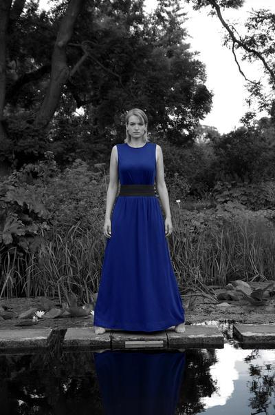 anni in blau by grabraeuber68