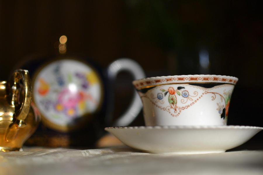 najromanticnija soljica za kafu...caj - Page 3 Tea_cup1_by_bronashaman-d3cbi5o