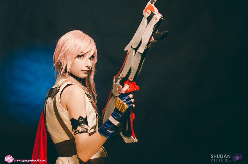 Lightning Cosplay - And I became Lightning by cyberlight