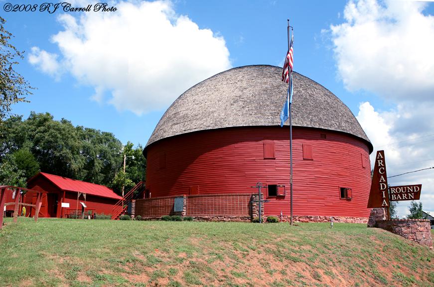 Arcadia Round Barn I by rjcarroll
