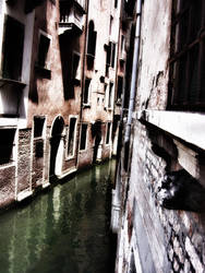 Through the canal by jmpotter