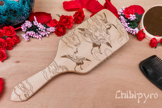 Japanese crane pattern wooden hairbrush