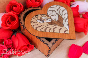Heart shaped box with tigers marquetry