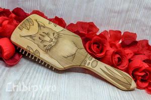 Lynx wooden hairbrush