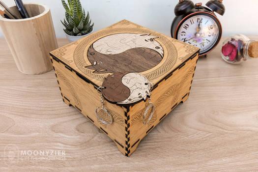 Wolf yin yang box with matching keychains
