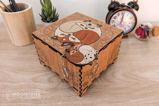 Foxes yin yang wooden box with keychains