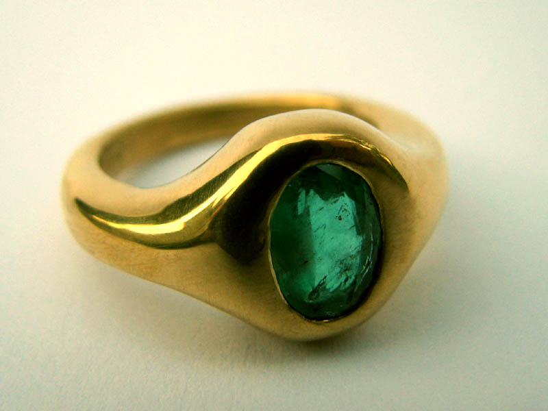 22k emerald engagement ring by mayavati on deviantart