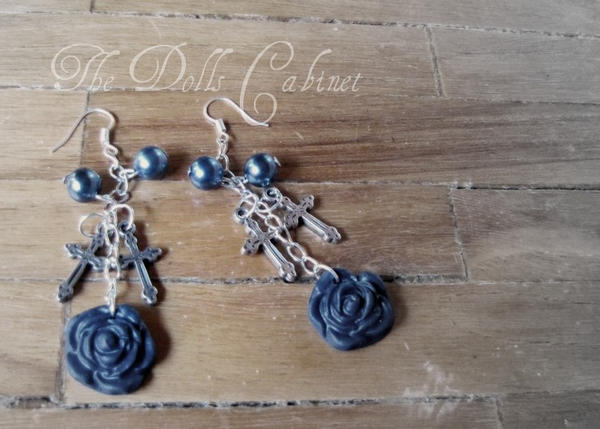Gothic rose-earings V2 by Ruzuworld