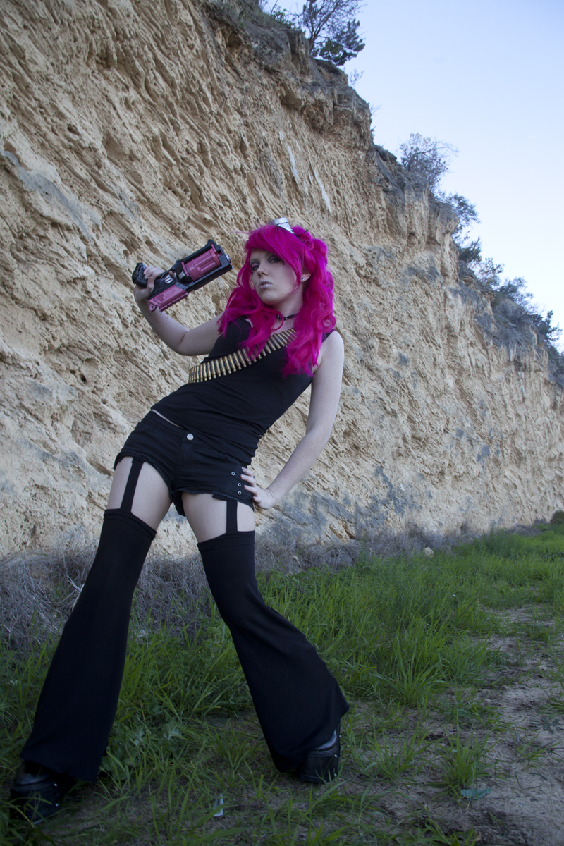 Pink hair and nerf gun by WednesdayStock