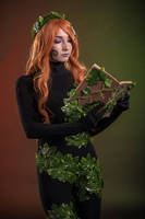 Infinite Crisis - Poison Ivy Cosplay by QuinzelCosplay