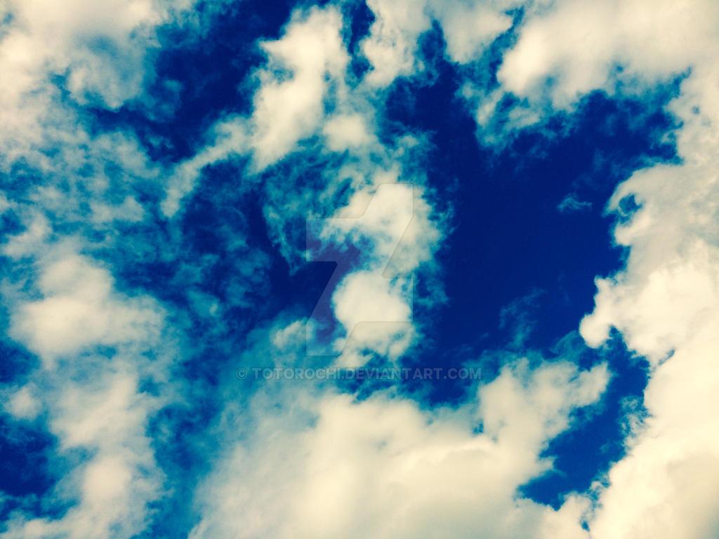 Helsinki sky by Totorochi