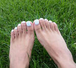 Icy Blue Pedicure on the Grass 2!