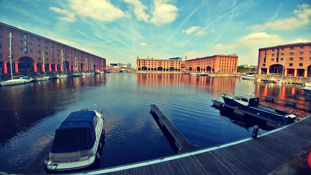 Liverpool Albert Dock by BegginerPhotographer