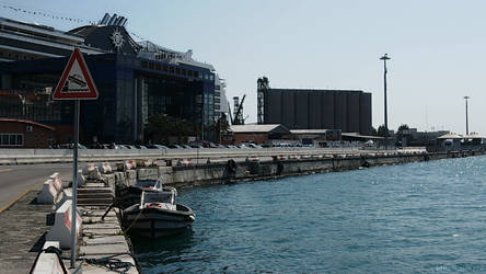 Bari port