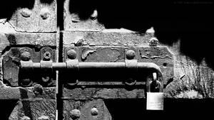 FullHD: locked s2bu wallpaper by theMuspilli