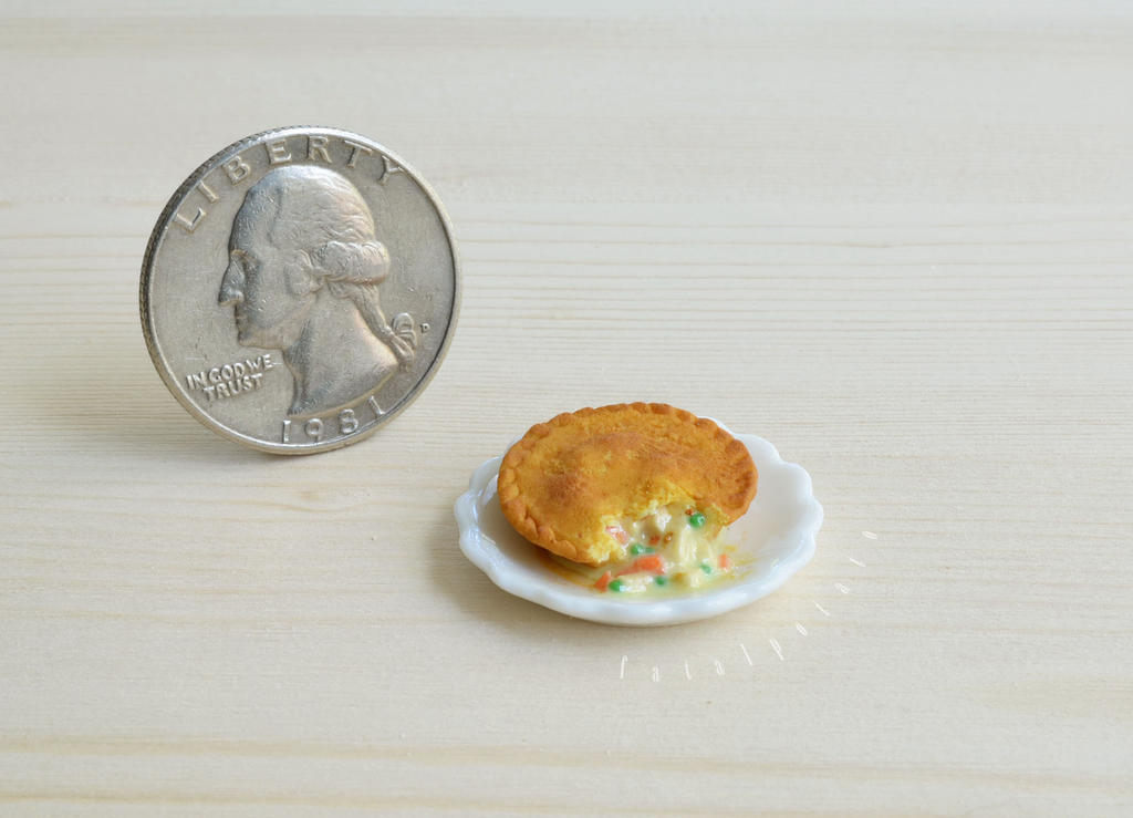 miniature chicken pot pie II by FatalPotato
