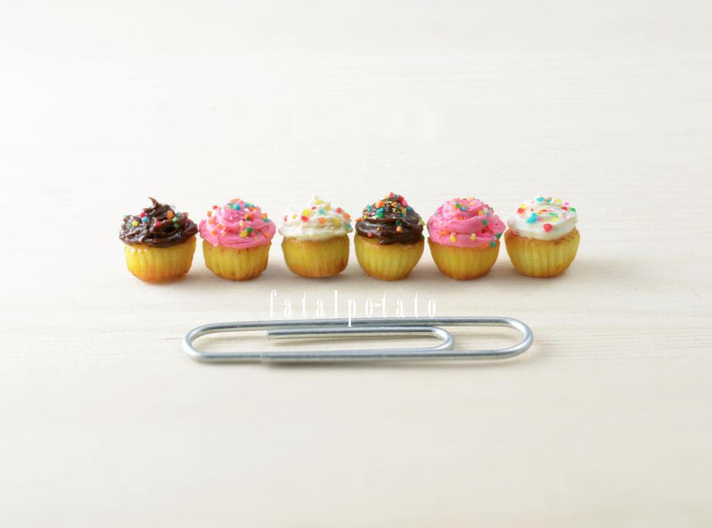 cupcakes V by FatalPotato