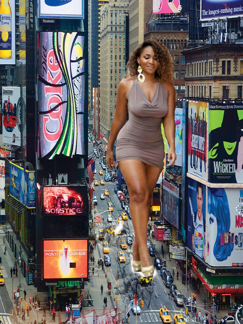 woman Giantess black