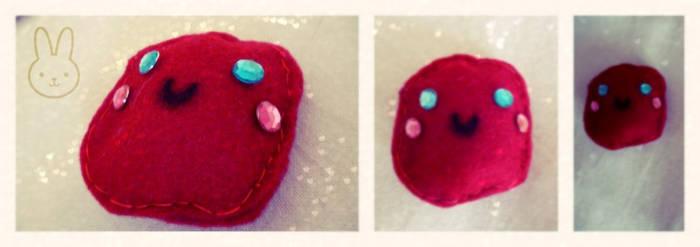 : mini red plushie :