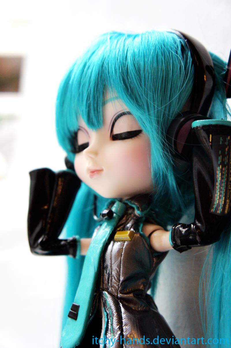 японская певица хатсуне мику слушать