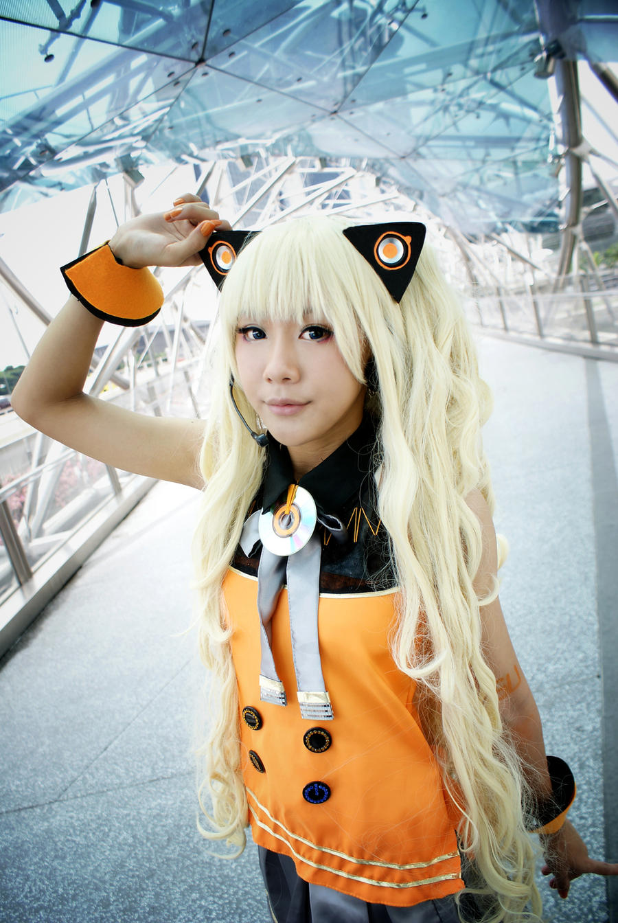 SeeU : RUN with me by Itchy-Hands