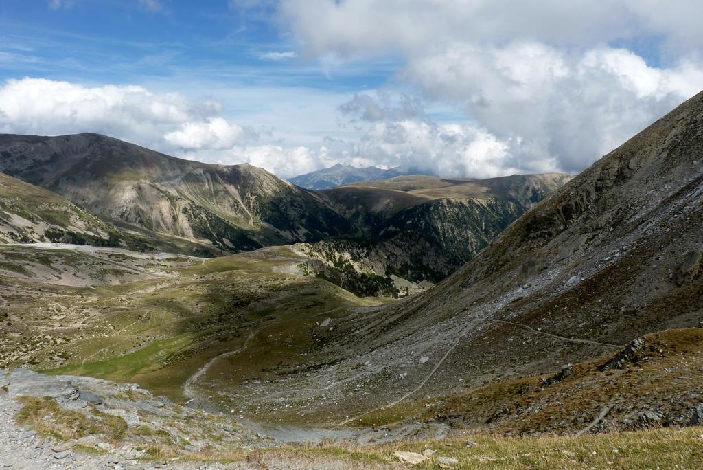 More mountains by Nebruban