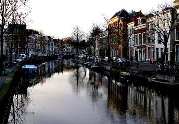 Late light at Leiden by Esperimenti
