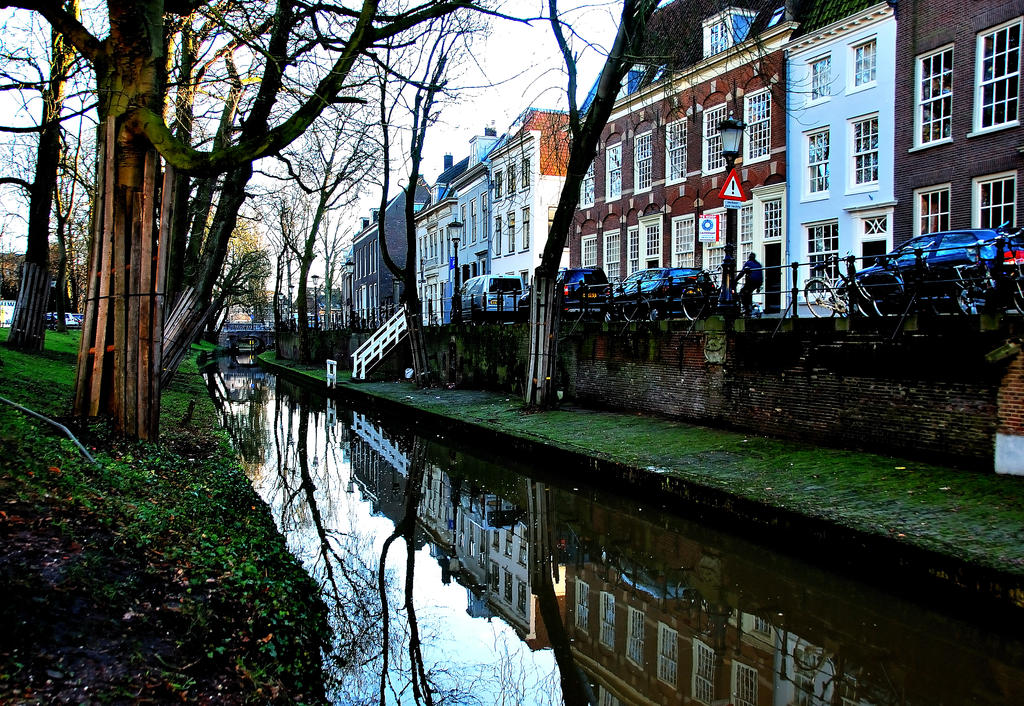Utrecht houses at the New Canal by Esperimenti