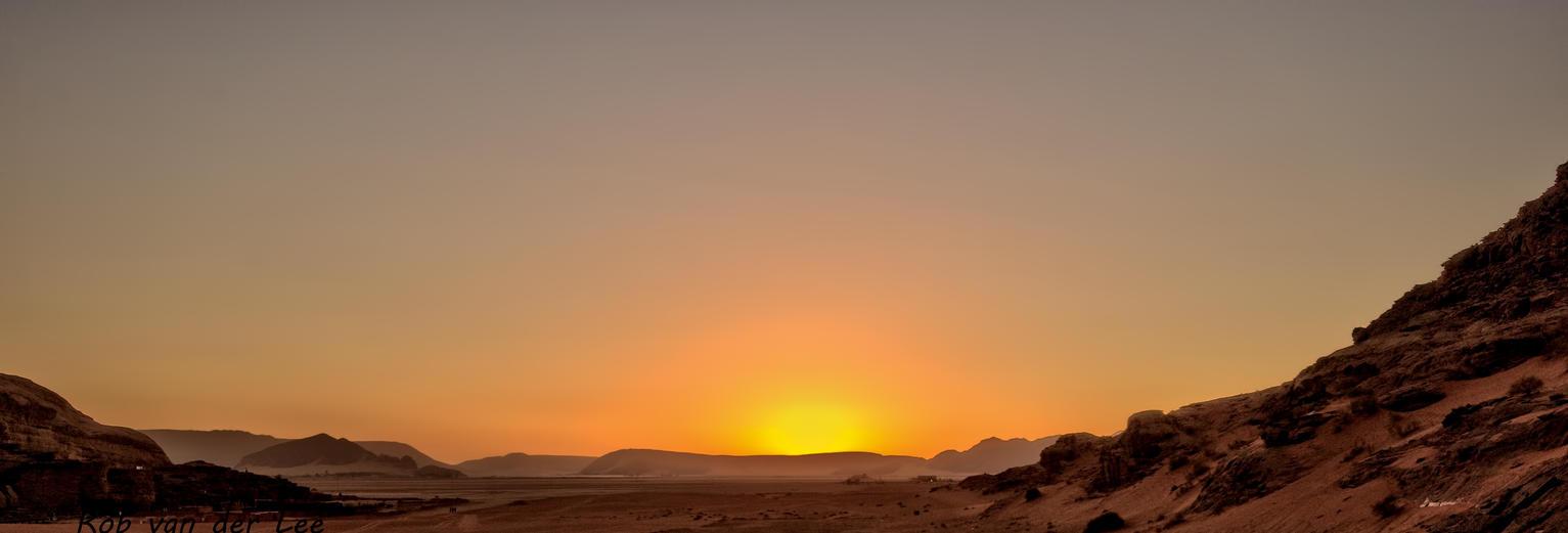 Breathtaking sun by forgottenson1
